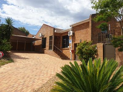 Property For Sale in Ruwari, Brackenfell